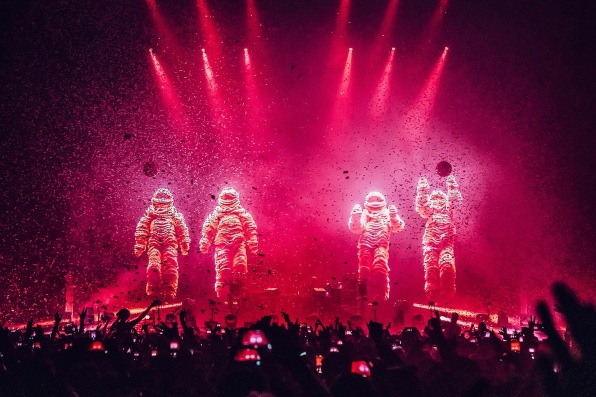 The Chemical Brothers, The O2, 30th Nov 2019 © Luke Dyson