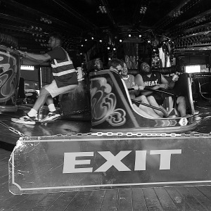 People on the Waltzer fairground ride